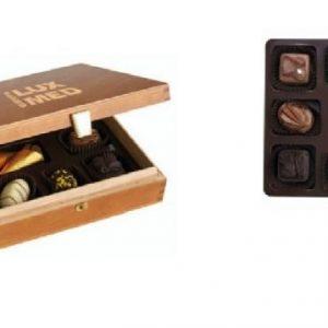 Luksuzni Čokoladni Pralini V Leseni Darilni Škatli